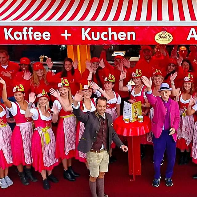 Team  - Winkend - Bodo's Cafezelt, München, BY