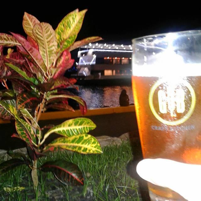 Gordon Biersch Brewery Restaurant - Honolulu, Honolulu, HI