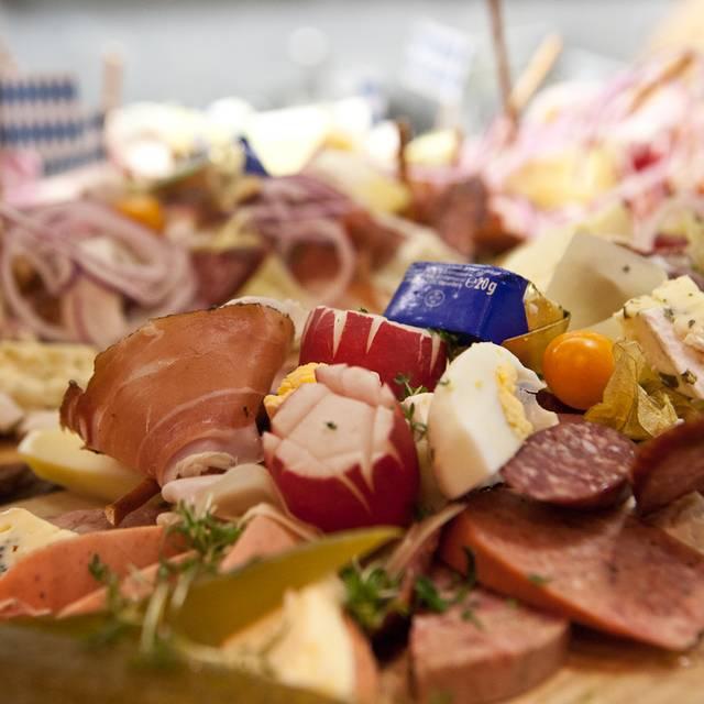Glöckle Wirt - Essen  - Brotzeit-brettl - Glöckle Wirt, München, BY