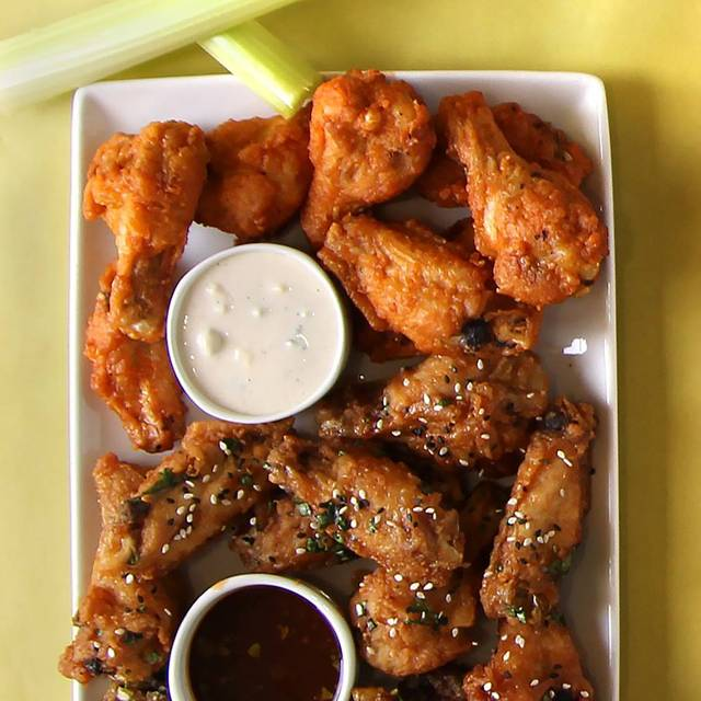 Thai And Buffalo Wings - Houlihan's - Fort Worth, Fort Worth, TX