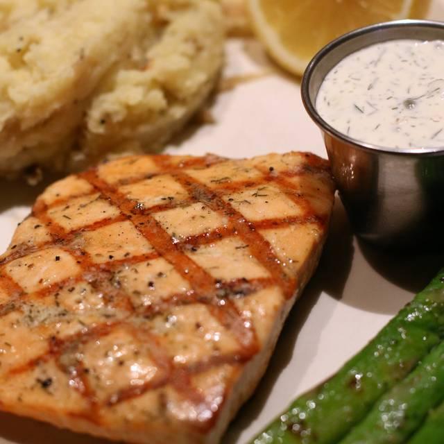 Atlantic salmon - Houlihan's - Live Oak, Selma, TX