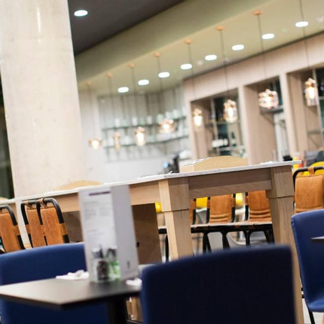 HI Restaurant & Bar Manchester City, Manchester