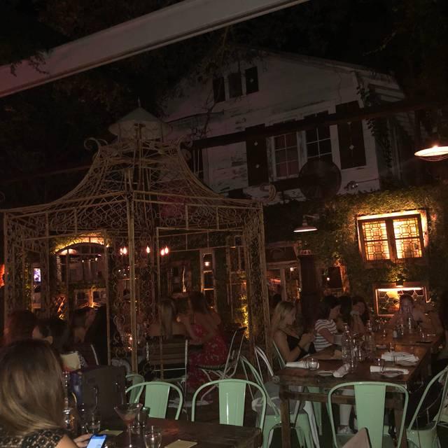 Louie Bossi's Ristorante Bar Pizzeria, Fort Lauderdale, FL