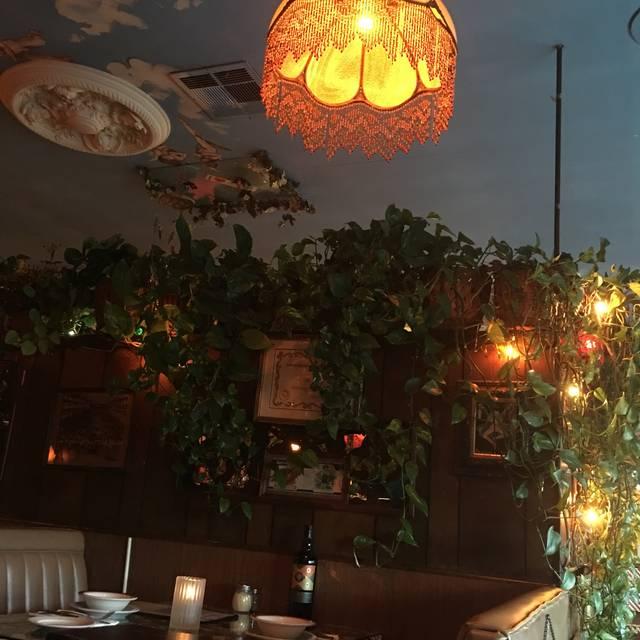 Broginos Italian Restaurant, Redondo Beach, CA