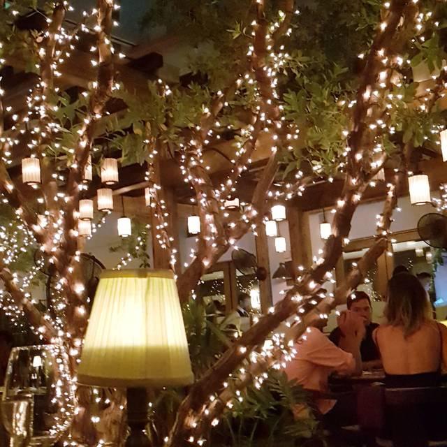 Cecconi's Miami Beach (fka Soho Beach House - Cecconi's), Miami Beach, FL