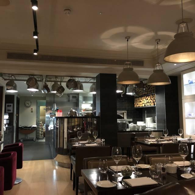 Hunter 486 Restaurant, London