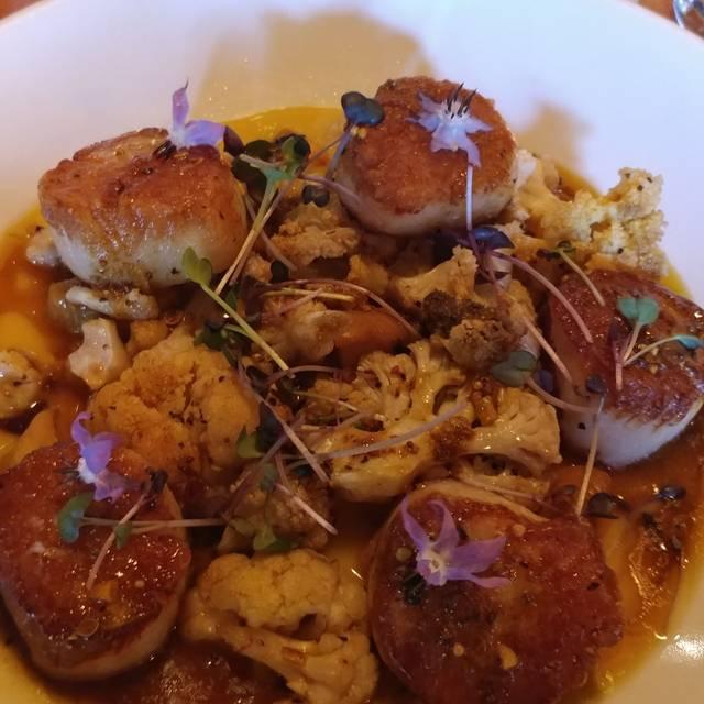 Pig & Finch Gastropub, Leawood, KS