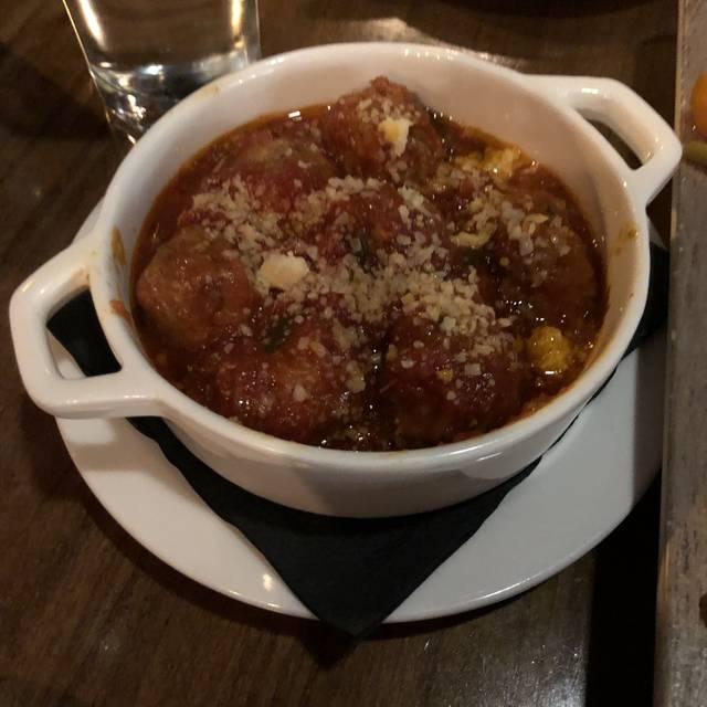 Hank's Pasta Bar, Alexandria, VA