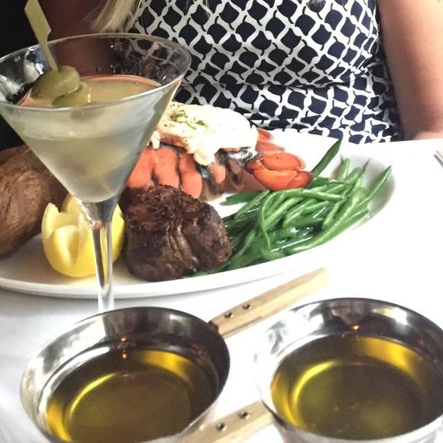 Hy's Steakhouse - Calgary, Calgary, AB