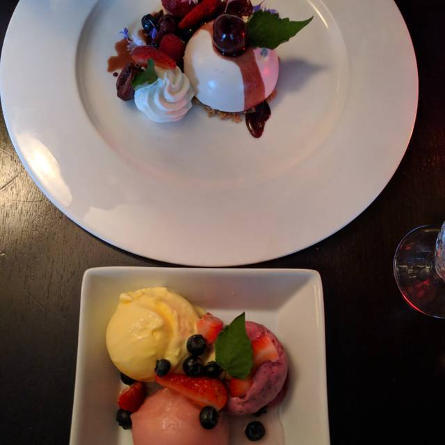 Solstice Seasonal Cuisine, Edmonton, AB