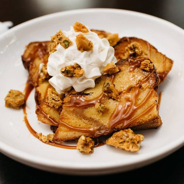 Brunch-creme-brulee-french-toast - Copper Restaurant and Dessert Lounge - Domain, Austin, TX