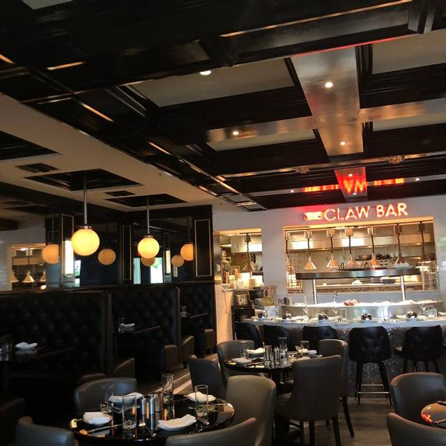 The Claw Bar, Naples, FL
