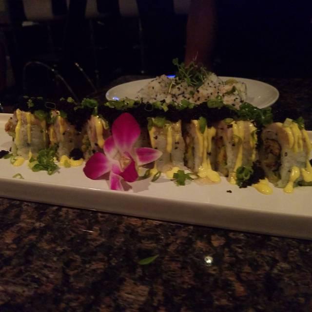 The Venue Sushi Bar & Sake Lounge, Palm Desert, CA