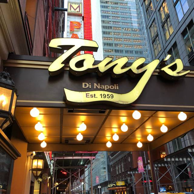 Tony's Di Napoli - Midtown, New York, NY