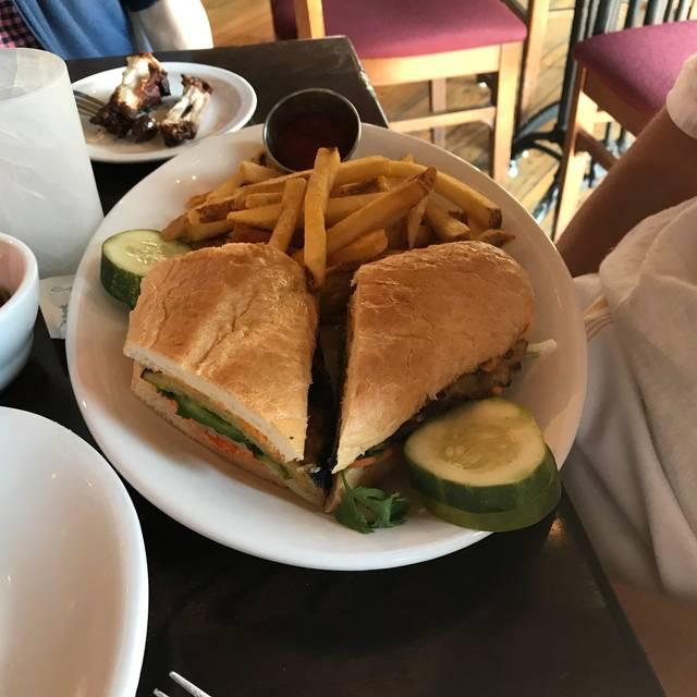 Menotomy Grill & Tavern, Arlington, MA