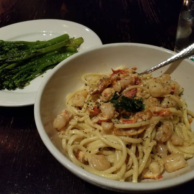 George Martin's Vivo Italian Kitchen and Wine Bar, Hanover, MD