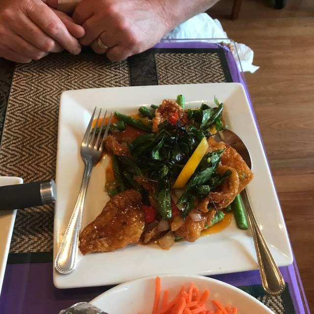 Sukhothai the BBQ Plus, Sebastopol, CA