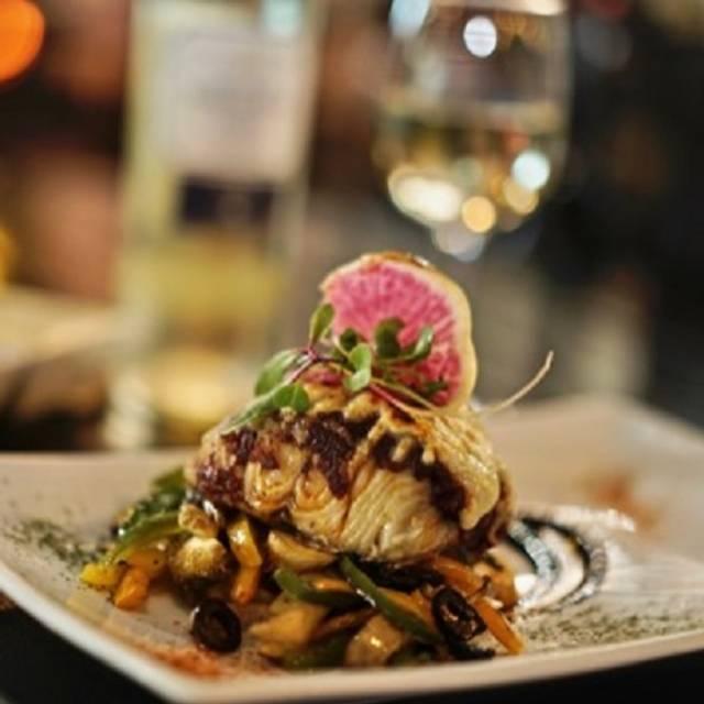 -salmon - Harbor's Steakhouse & Raw  Bar- Juarez, Puebla, PUE