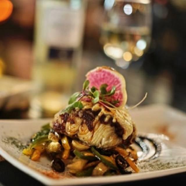 -salmon - Harbor's Steakhouse & Raw Bar - Angelopolis, Puebla, PUE
