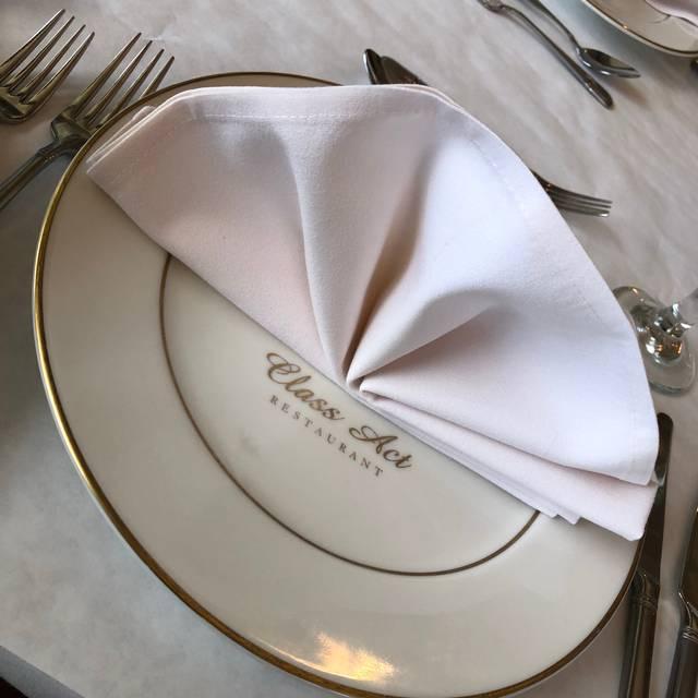 Leis Family Class Act Restaurant, Kahului, HI