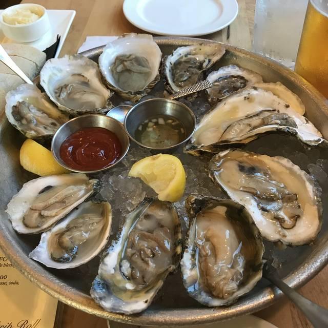 Public Fish & Oyster, Charlottesville, VA