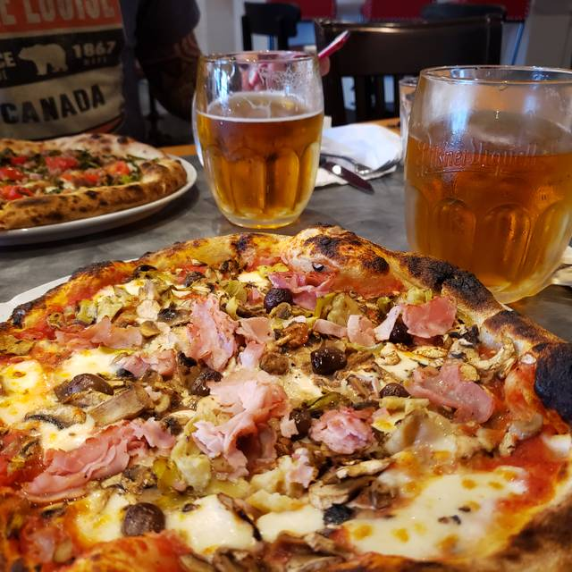 BiBo Pizzeria con Cucina, Vancouver, BC