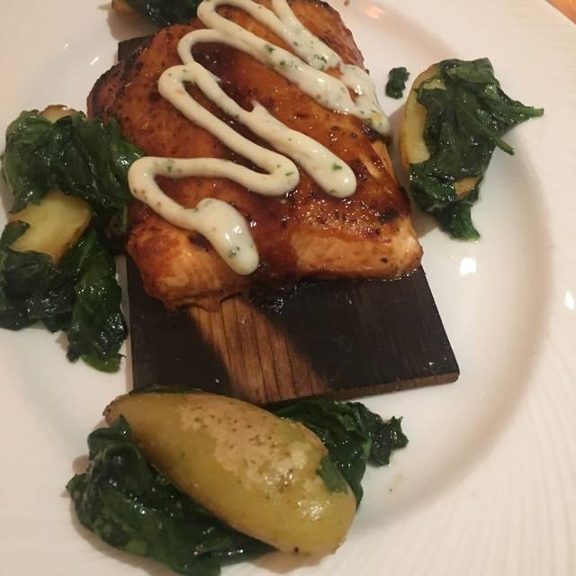 Eddie Merlot's Prime Aged Beef & Seafood - Fort Wayne, Fort Wayne, IN