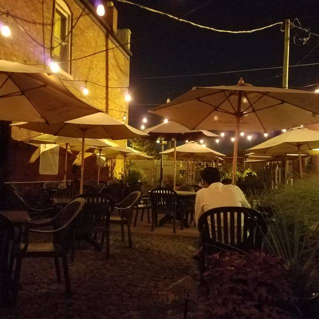 Iozzo's Garden of Italy, Indianapolis, IN
