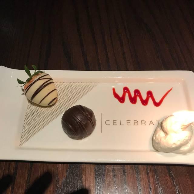 Cooper's Hawk Winery & Restaurant - Doral, Doral, FL