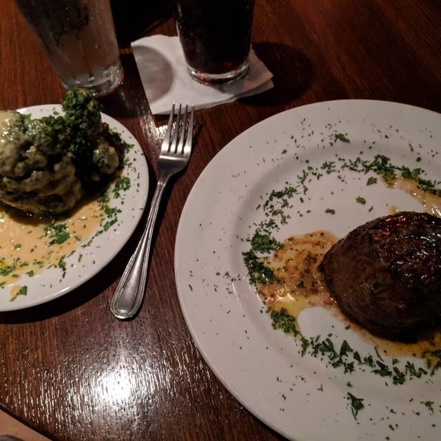 Carmine's Steakhouse, St. Louis, MO