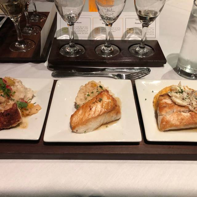 Flight Restaurant & Wine Bar - Memphis, Memphis, TN
