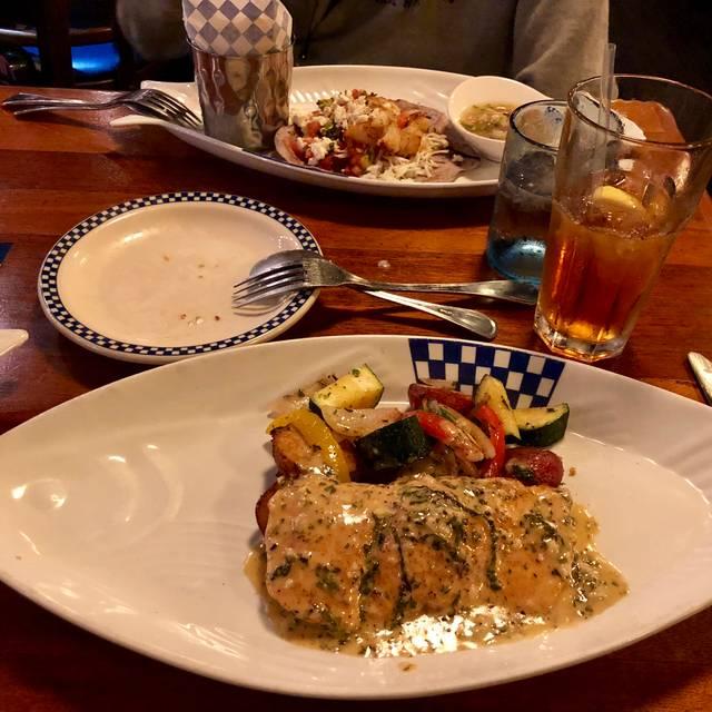 Duke's Seafood & Chowder - Green Lake, Seattle, WA
