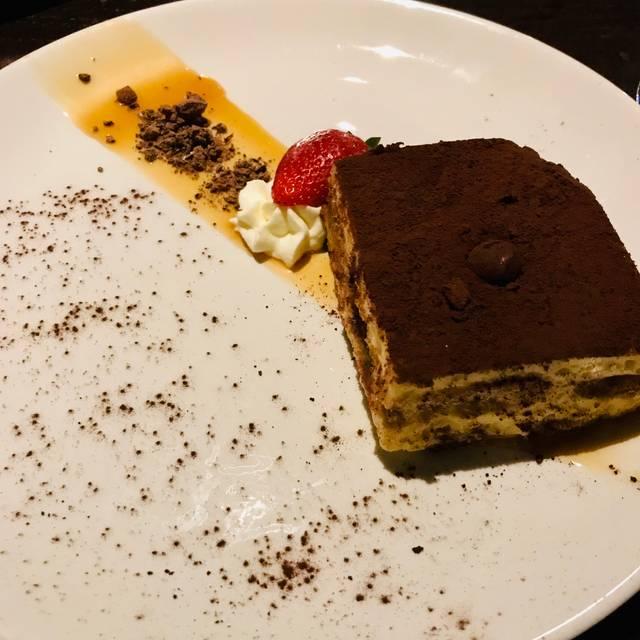Boston Seaport Restaurant: Tuscan Kitchen - Seaport Restaurant - Boston, MA