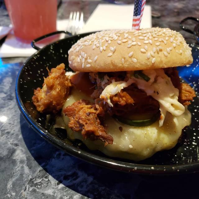 Kings Dining & Entertainment - Orlando Restaurant - Orlando, FL