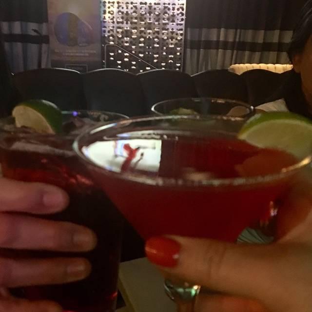 Personas Patio + Restaurant + Lounge, Burnaby, BC