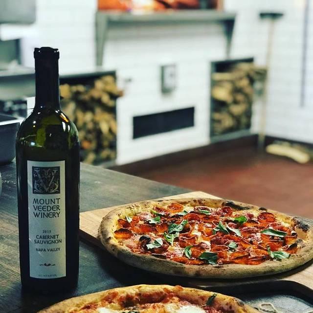 Delucca Gaucho Pizza & Wine, Dallas, TX