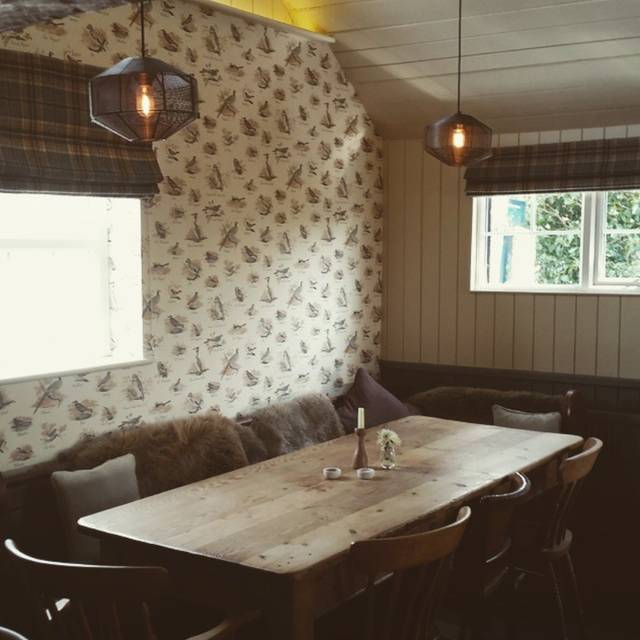 Large Table - The Plough, Rye, East Sussex