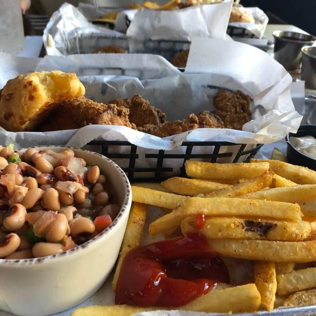 Folks Southern Kitchen: Myrtle's Chicken + Beer Restaurant - Knoxville, TN