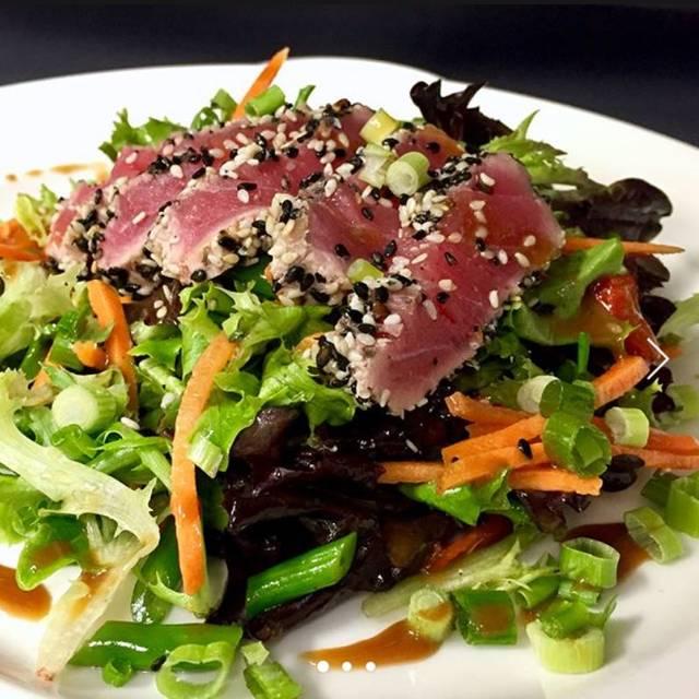 Seared Tuna Salad - CityGate Grille, Naperville, IL
