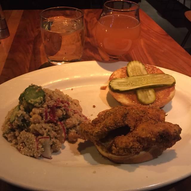 Doc B's Restaurant + Bar - Gold Coast, Chicago, IL