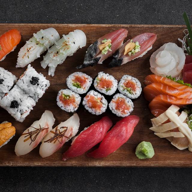 Br Platter Ben Starkman - Blue Ribbon Sushi Bar & Grill - South Beach, Miami Beach, FL