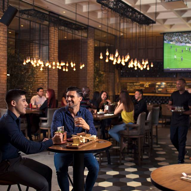 JB's Gastropub - Amwaj Rotana Hotel & Resort, Dubai, United Arab Emirates
