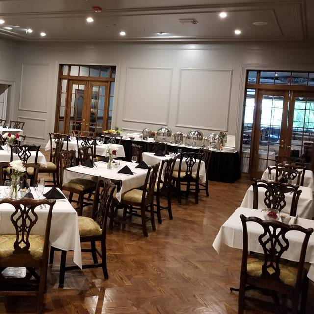 The Colonial Room at The Drake Oakbrook Hotel Restaurant - Oak Brook