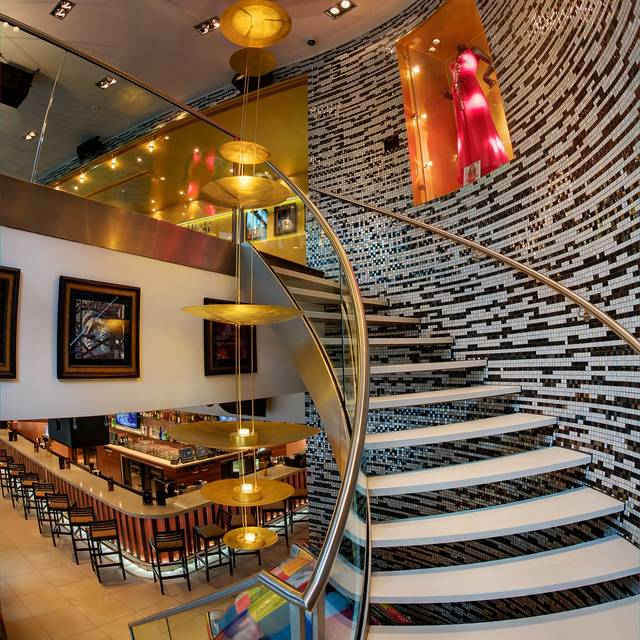 Hrc Berlin Staircase - Hard Rock Cafe - Berlin, Berlin