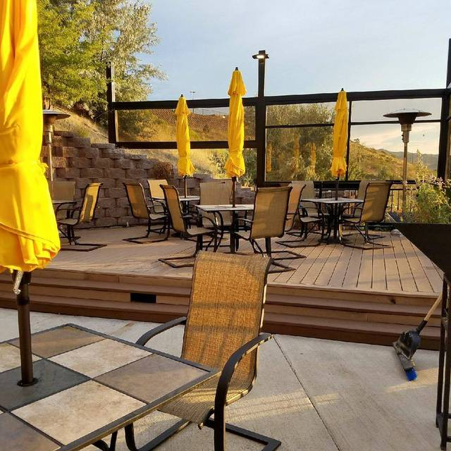 Jakers Bar and Grill - Pocatello Restaurant - Pocatello, ID