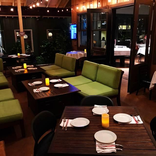 The Pour House Italian Kitchen and Wine Bar, Lahaina, HI