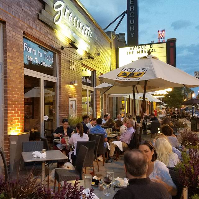 Alfresco Dining At Grassroots - Grassroots Grill (fka Deleece), Chicago, IL