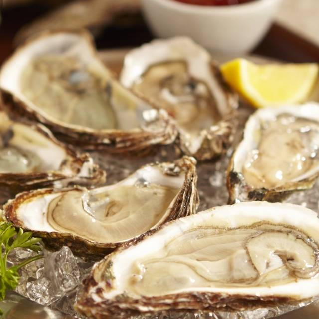 Image - Coast Seafood Restaurant, Cos Cob, CT