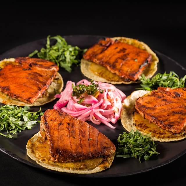 Tacos De Atún Al Pastor - La Buena Barra - Polanco, Ciudad de México, CDMX