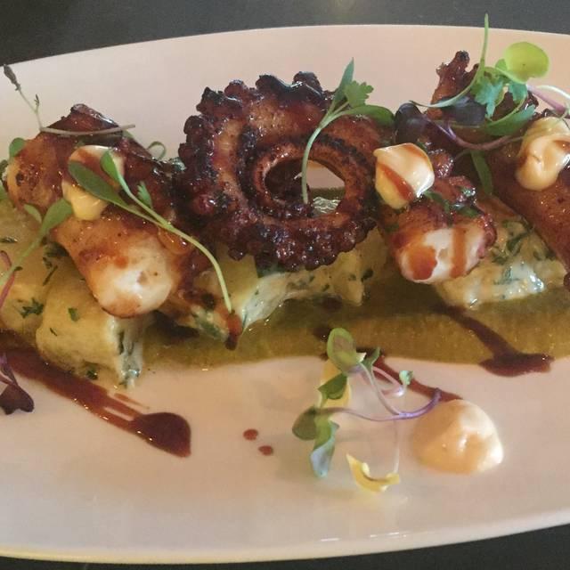 Coast Seafood Restaurant, Cos Cob, CT